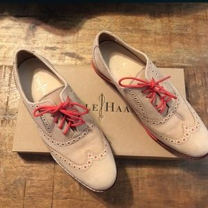 EUC Cole Haan Gramercy oxford shoes in real suede